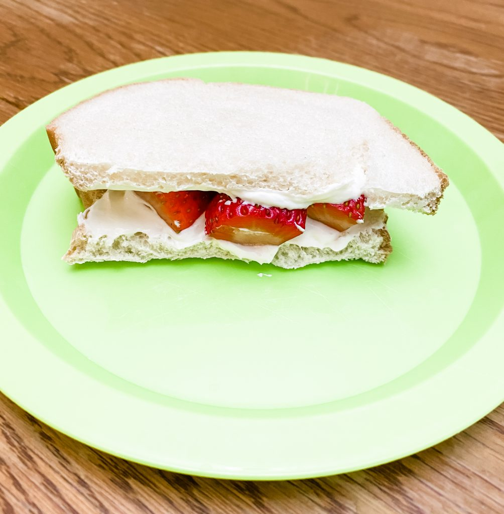 strawberry and cream cheese spread snadwich